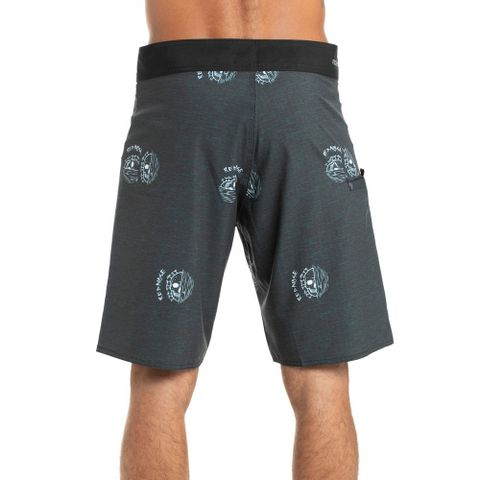 BOARDSHORTS-RED-NOSE-DARK-SOUND-PRETO