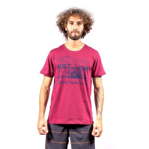 CAMISETA-MASCULINA-BUILT---RED-NOSE-VINHO