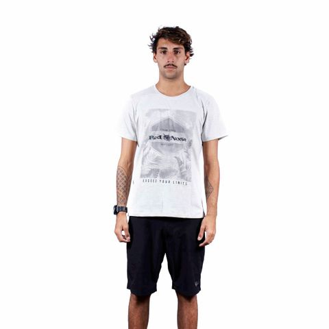 CAMISETA-MASCULINA-EXPERIENCE---RED-NOSE-CINZA-CLARO